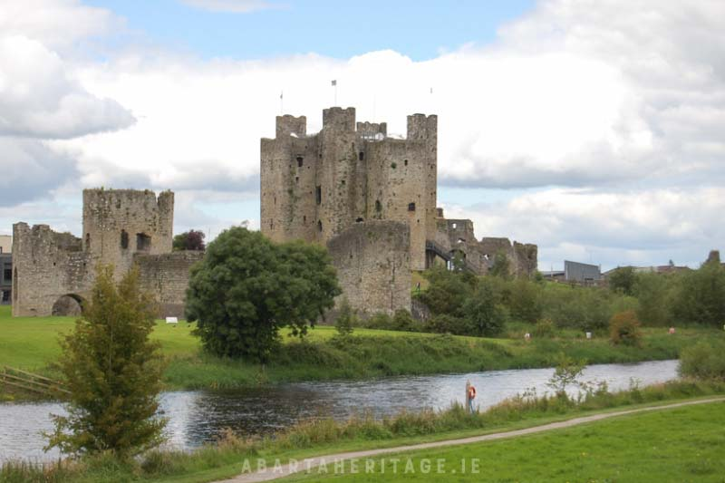 Discover the story of Ireland's castles with the Amplify Archaeology Podcast